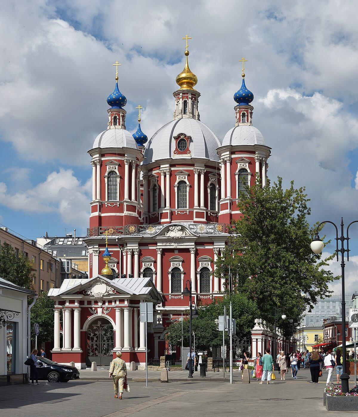 Экскурсия по церквям и монастырям в Москве