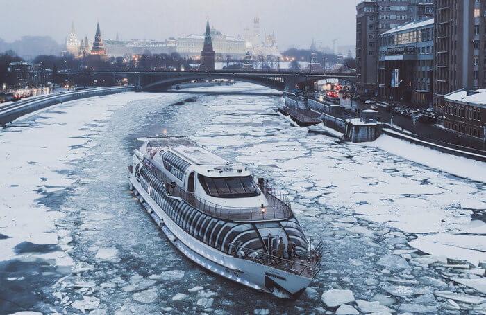 Новый год в Москве на яхте